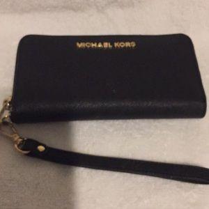 Michael kors zip around wristlet